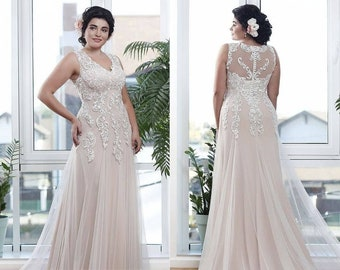 e50bc87d1a4 Plus Size Sheath Wedding Dress Blush Wedding Gown Long Prom Dress Lace  Bridal Dress Ball Gown V-neck Lace Applique Romantic Infinity Dress