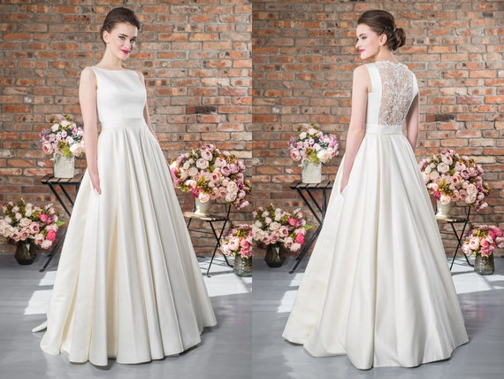 Plus Size Lace Vintage Bridal Gown Ivory Wedding Dresses Open Back Elegant And Simple One Piece Maxi Evening Prom Dress Modest Ballgown