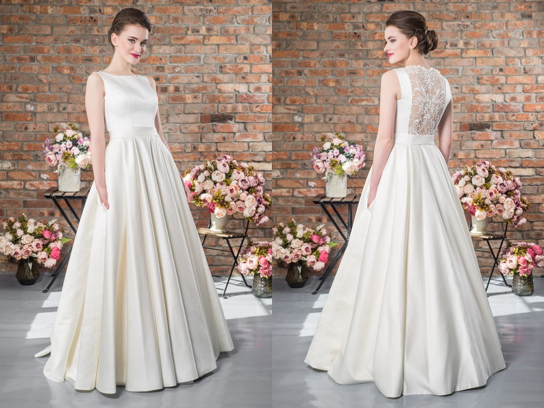Rustic Wedding Dress Simple Gown Lace Decor Open Back A Line Sleeveless Dress Atlas Ball Gown Custom Wedding Dresses Trend Bridal Gown