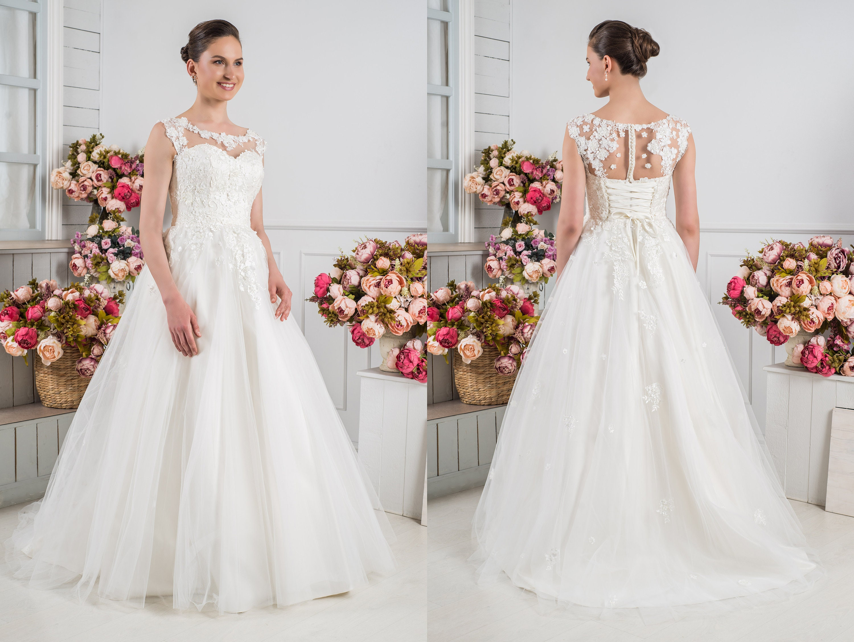 31d90ab2929 Plus Size Lace Wedding Dress Vintage