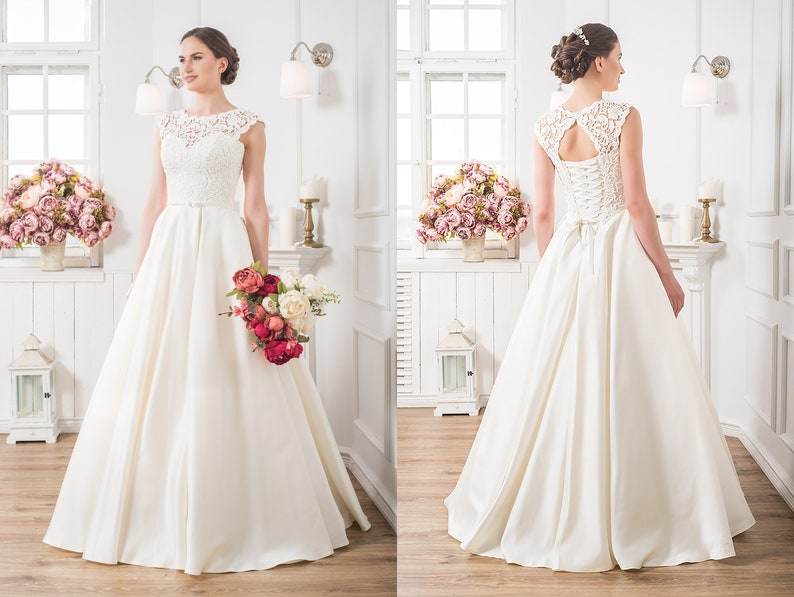 d5e20953a7e Rustic Vintage Wedding Dress Country Wedding Gown Lace Top