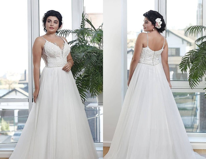 Spaghetti Straps Plus Size Beach Wedding Dress Open Back Maxi Dress Plus  Size Elven Wedding Dress Maternity Dress Lace Corset Aline Dress