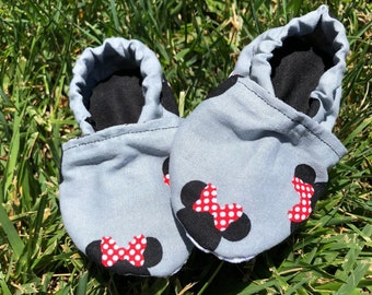 Adorable Minnie Mouse Baby Booties! Multiple sizes to choose from! Washable!