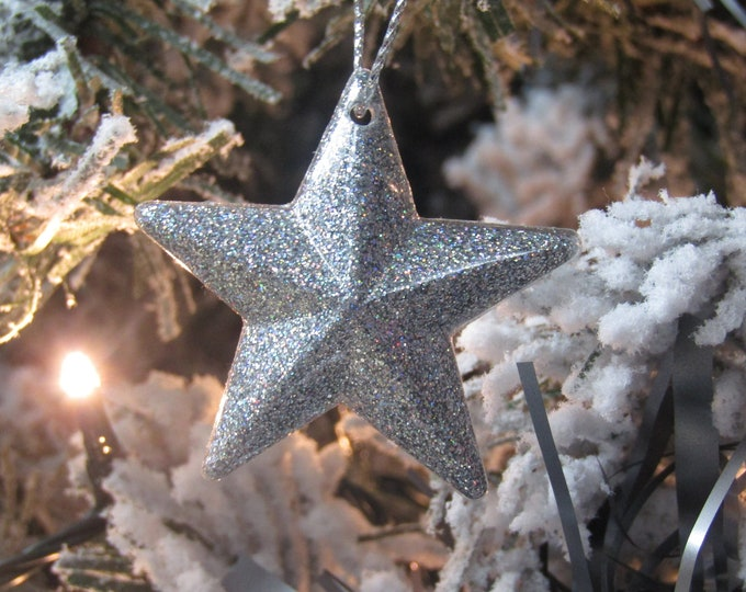 Silver star Christmas tree decorations. Small, pack of 5. Holographic silver.