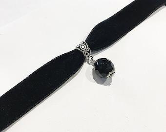 ON SALE Black velvet choker big glass bead db22f6f29f72