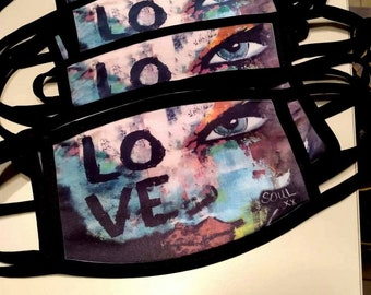"""Face mask in 100% polyester washable fabric. Pattern """"LOVE"""" exclusive canvas Natalie Soul."""