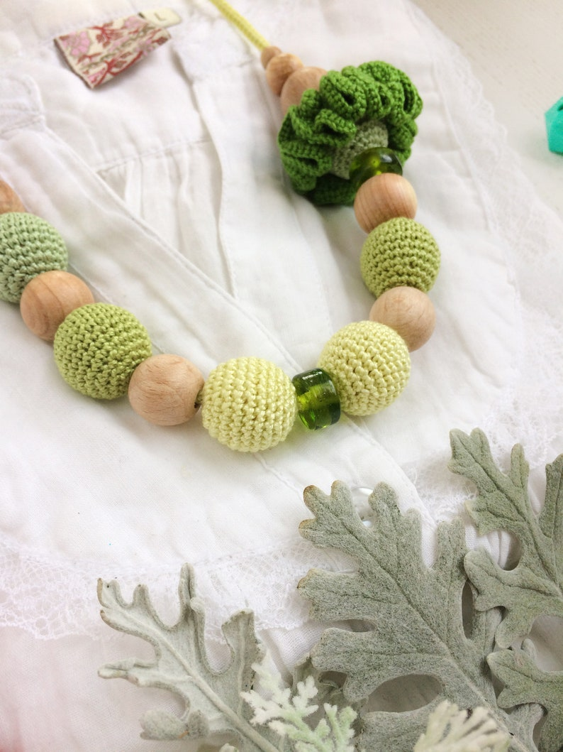 Mothers Day Gift Idea  Green Wooden Necklace for Woman  Mommy and Me Matching Outfits Necklace Set