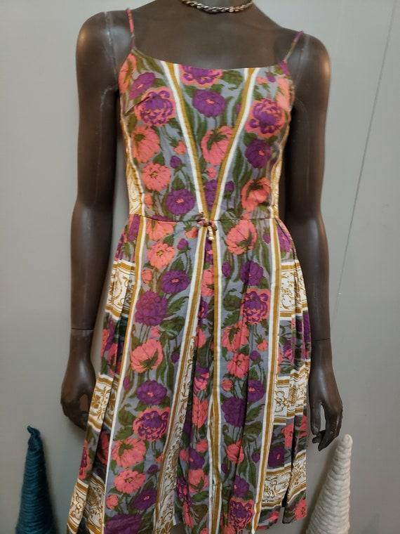 50s Novelty Print Day Dress - image 6