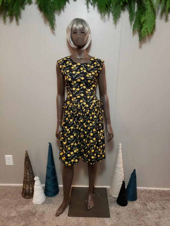 50s Tulip Print Day Dress - image 7