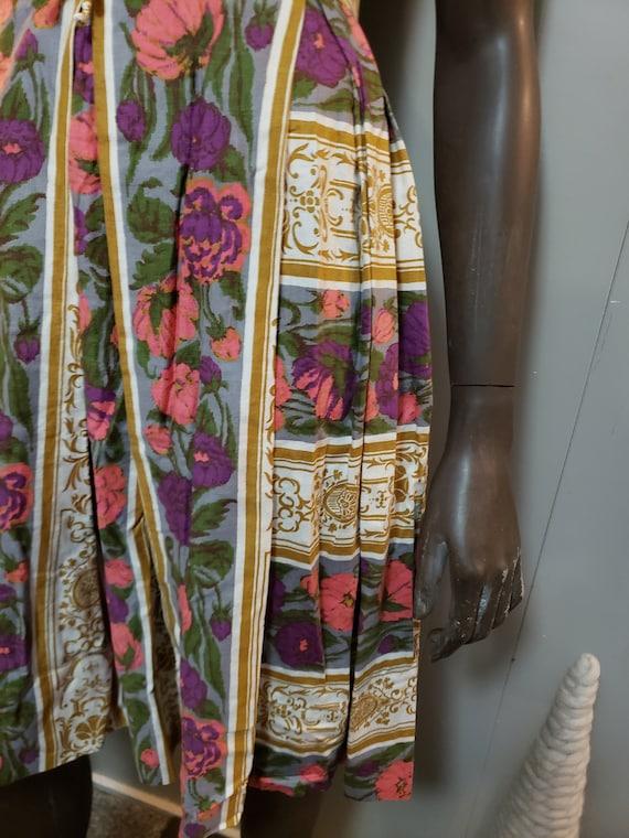 50s Novelty Print Day Dress - image 5