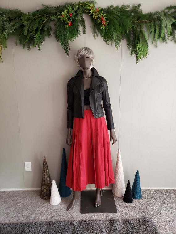 Vintage Burberry's Red pleated wool skirt