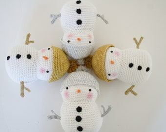 Snowman crochet - amigurumi pattern french and english - Mr Polaire