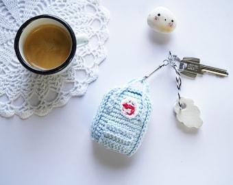 ENGLISH and FRENCH PATTERN - modèle au crochet sac a dos kanken pour amigurumi ou porte-clefs - Crochet - accessoire amigurumi