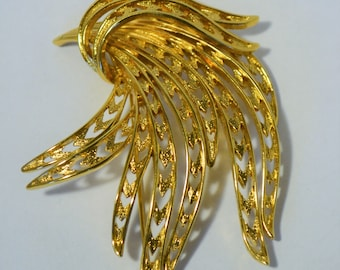 Vintage Flowing feathers brooch by Monet