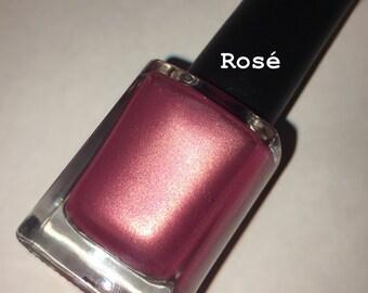 Rosé nail lacquer