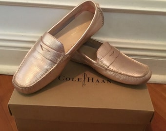 6f2e0a4f7be Cole Haan Trillby Driver Loafer 6.5 Rose Gold Metal