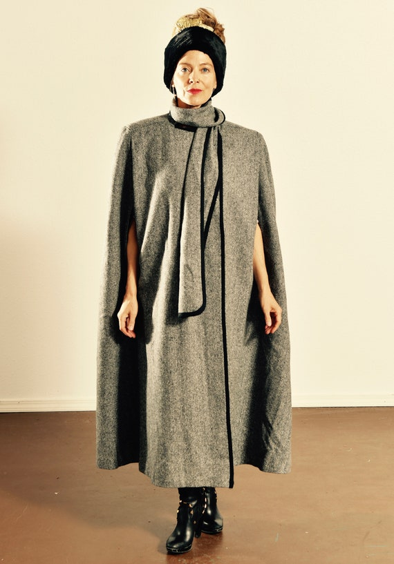Cape with Attached Scarf/ Vintage Herringbone Cape