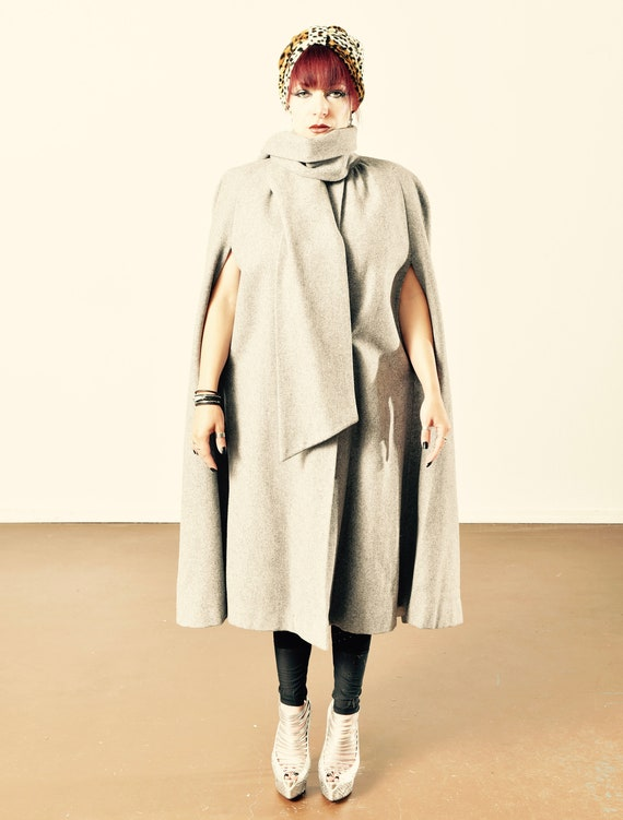Vintage Wool Cape/ Vintage Gray Wool Cape with Att