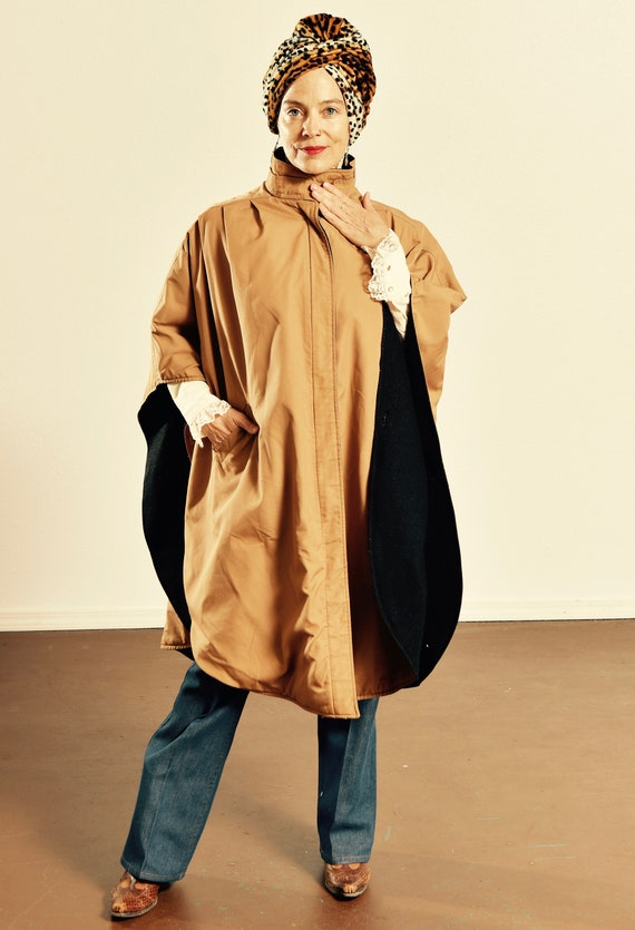 Khaki Trench Coat Cape with Wool Lining/ 70's Wool