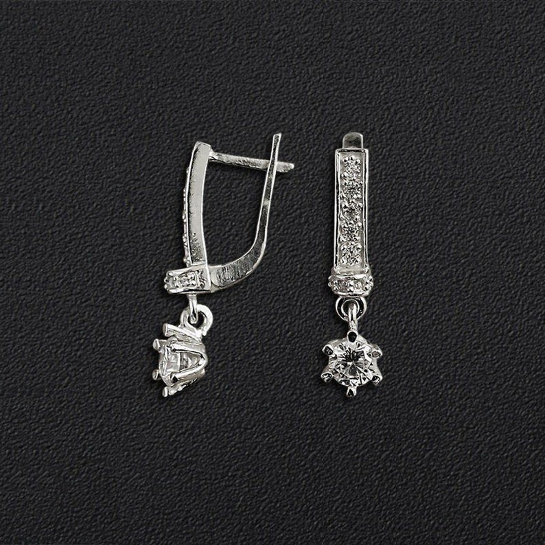 Women silver latch back stars earrings with different color of a gem