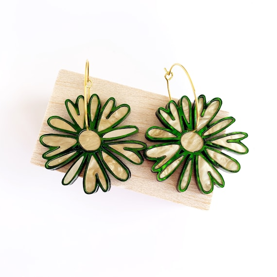 Acrylic Daisy Hoops - Soft Gold + Forest Green Swirly Acrlic