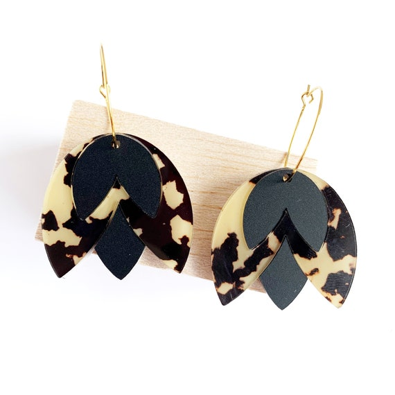 Acrylic Tulip Hoops - Light Leopard + Matt Black