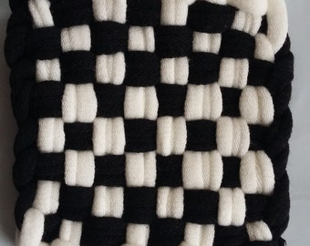 Set of 4 Handmade Knitted Coaster - Black and White