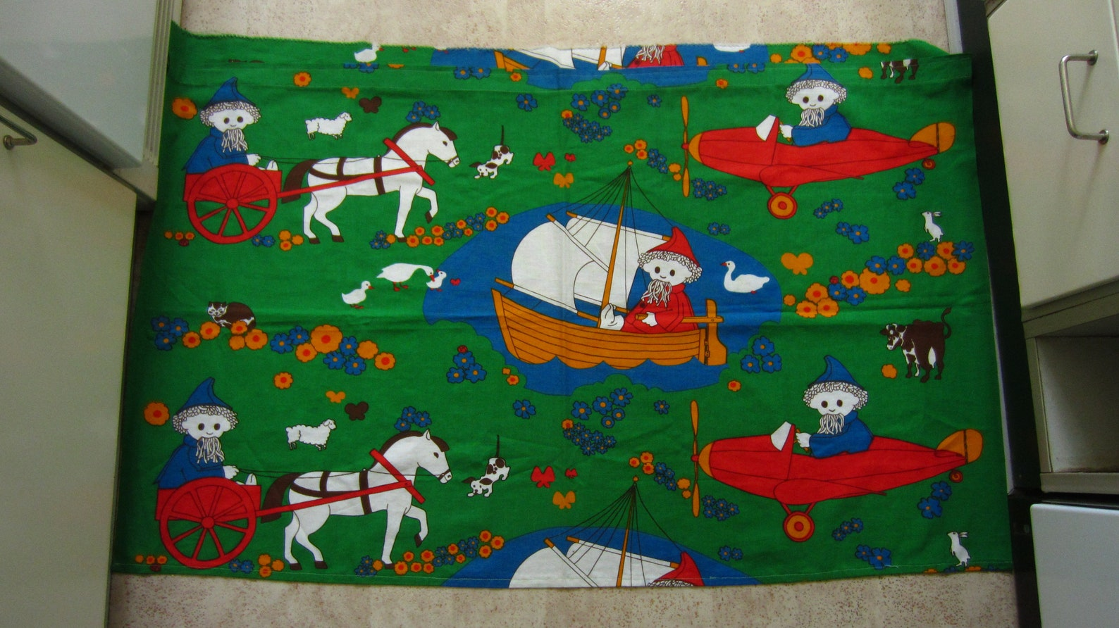 Cute vintage Swedish / Finnish curtain with John Blund / Nukkumatti Little Sandman Iconic mid century textile Nordic design for children