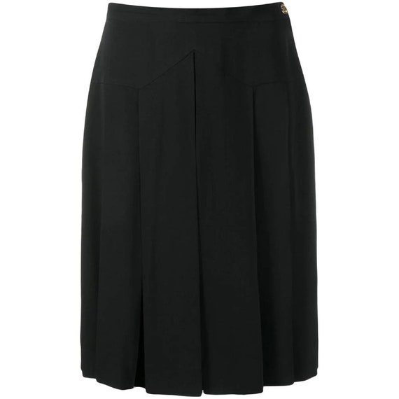 Chanel 90s black pleated skirt