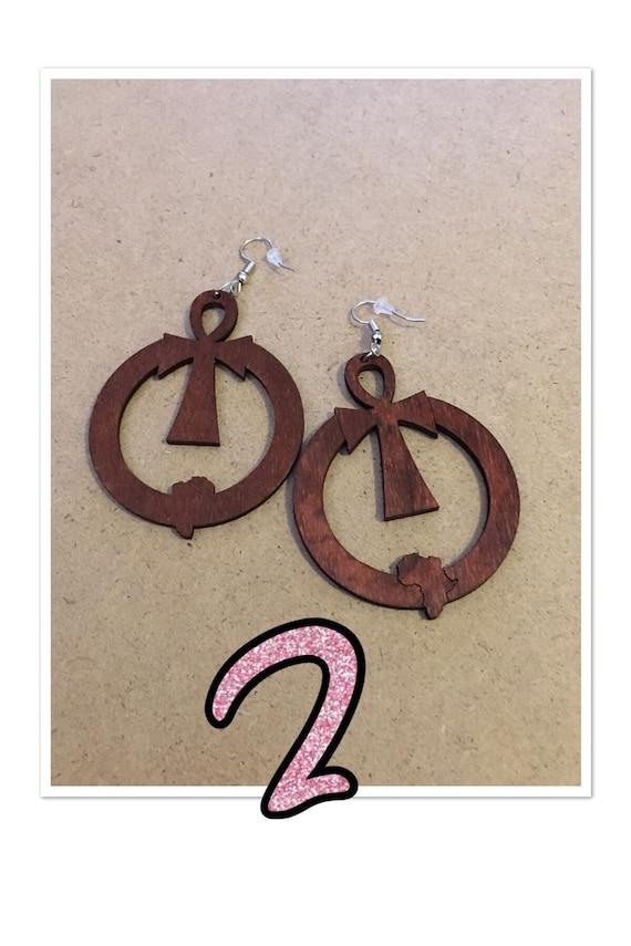 Ankh circle earrings