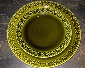 Midcentury modern green dining set with dinner plates, appetizer plates, teacups and saucers