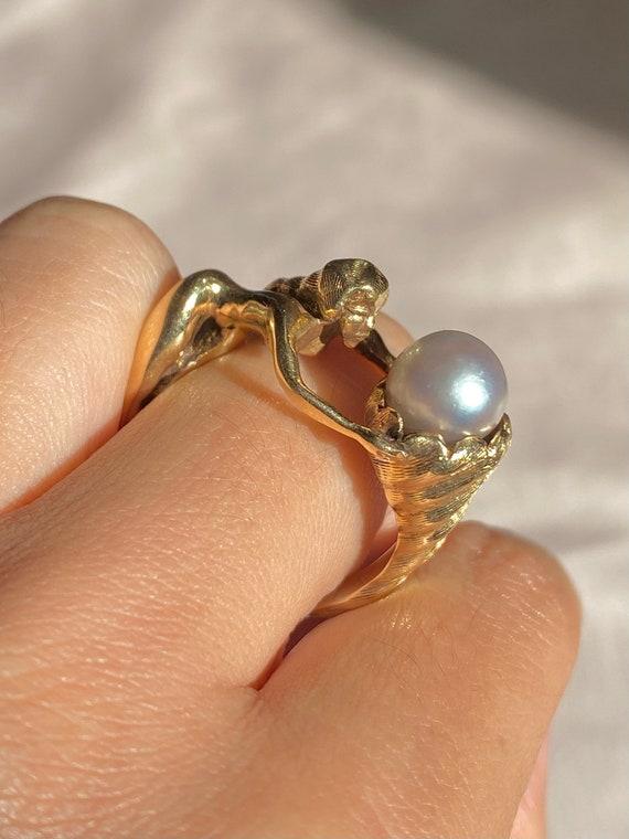Vintage 9k Pearl Mermaid Conch Shell Ring