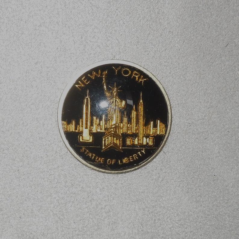 senza spilli\u2122 handcrafted magnetic brooch brass Statue of LibertyNY skyline