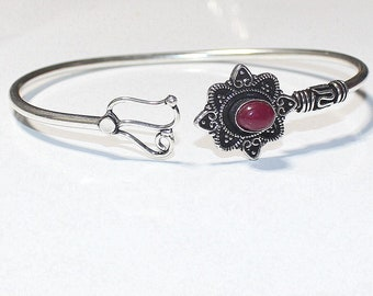 98f354fb058 Kashmir Ruby 925 Silver Bangle