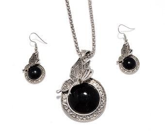 Wonderful Black Onyx 925 Silver Necklace & Earrings Set