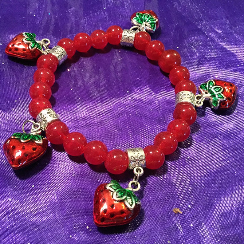 Strawberry Patch Stretch Charm Bracelet with vintage glass beads *Free Shipping*