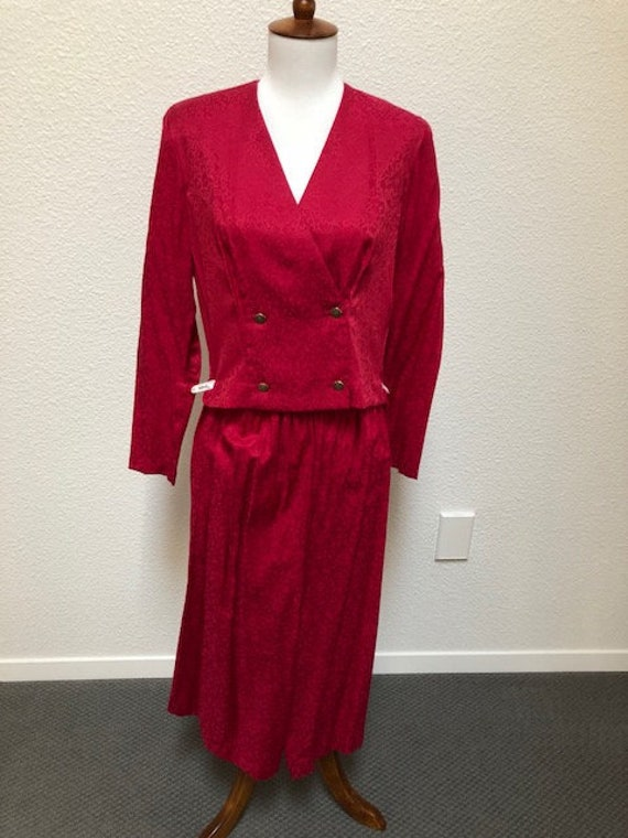 Size 8P Red Jacket/Split Skirt (Gaucho)
