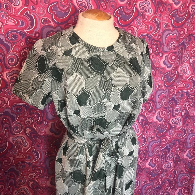 Vintage 60\u2019s Green Mini Shift Dress Abstract Mod Print w Belt Size ML