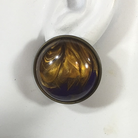 Classic gold purple swirl dome earrings Glass in brass round studs Geometric button earrings Vintage 80s Chunky studs Special occasions