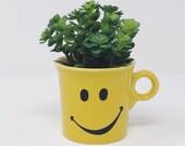 Retired Vintage Fiestaware Happy Face Sunflower Yellow Mug Retro Smiley Face 2003 READ Description
