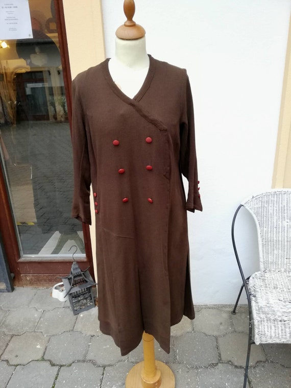 True vintage 1920s brown dress with orange glass b