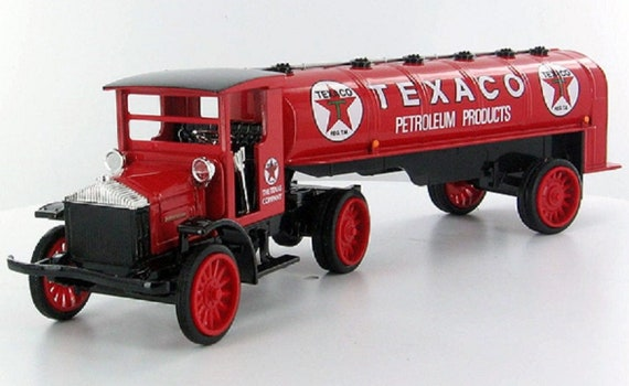 Texaco 1920 Pierce Arrow Cab with Tanker Die Cast Metal Bank ERTL H817 New