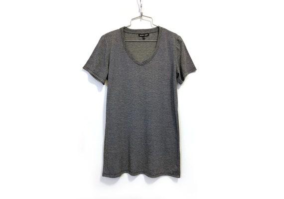 Unisex Casual Top Size Xs Micro Stripe Vneck Tee Black White Top Tunic Tshirt Workout Plain Tee Vegan Shirt Handmade Clothes