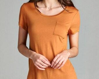 Ladies fashion short sleeve scoop neck top w/ pocket