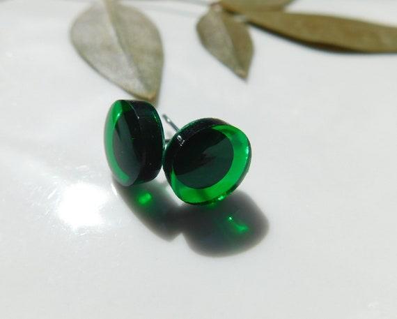 Minimalist Emerald Color Stud Earrings