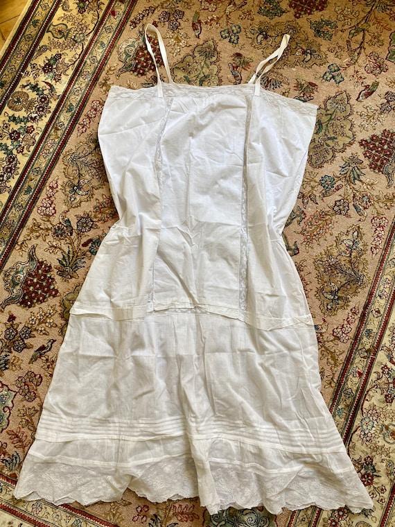 Shirt/dress background 1920