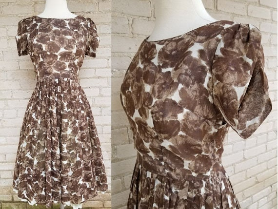 Vintage 1950s Small cotton floral dress by Leslie