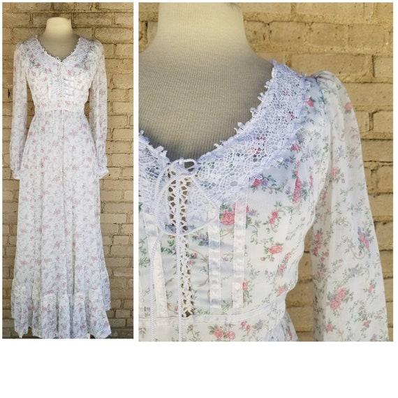 Vintage 1970s Gunne Sax white rose print corset bo