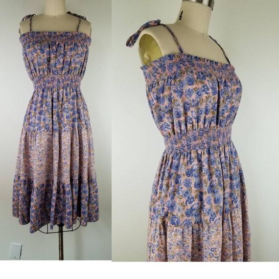 Vintage 1970s Size S / M purple pink floral prairi