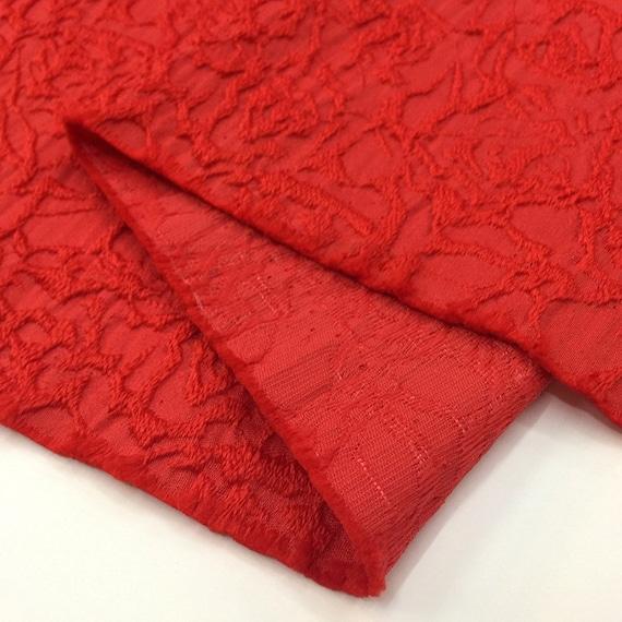 Tissu rouge de vêtements de brocart floral de modèle 0.5m, tissu de satin, modèle de doux de fleur pour la robe, jupe, manteau Largeur 145cm 69afca
